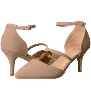 Shoes - NIB taupe (nude) low heels